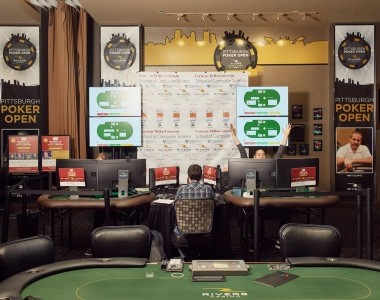 The three most important things to remember while playing online poker