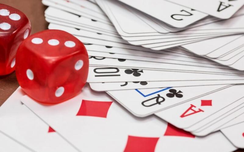 Are Online Casinos Replacing Land-Based Casinos?