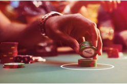 Distinguish between offline and online casinos