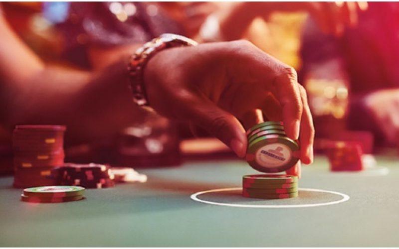 Distinguish between offline and online casinos