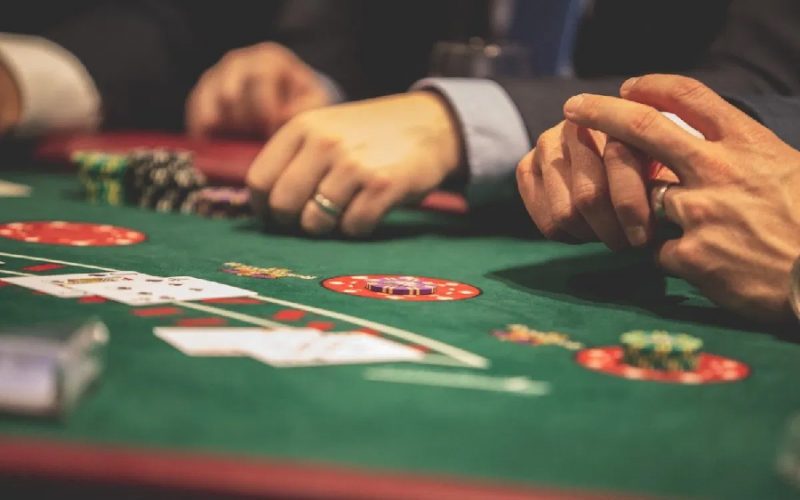 Factors That Make Online Casino Games Hugely Popular With People