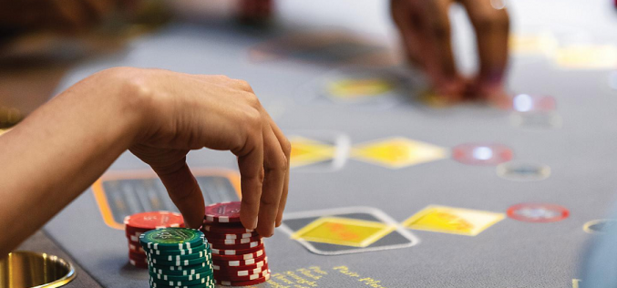 Online Gambling: Various Pros And Cons